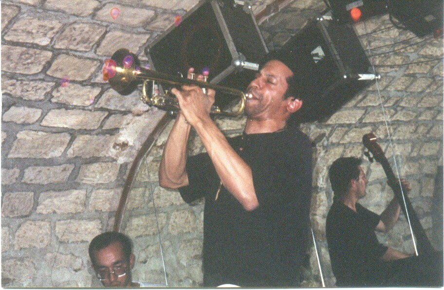nb-Trumpet-Caves-Paris
